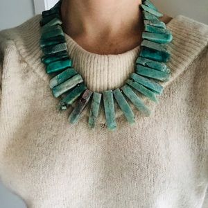 Jewelry - Turquoise stone fan necklace